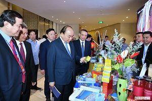 Thủ tướng: 'Không thể hời hợt, bán rẻ giá trị văn hóa du lịch Việt Nam'