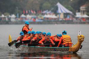 Khai mạc lễ hội bơi chải thuyền rồng Hà Nội mở rộng tại Hồ Tây