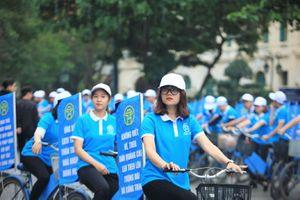 Hàng trăm thanh niên diễu hành tuyên truyền xây dựng người Hà Nội văn minh, thanh lịch