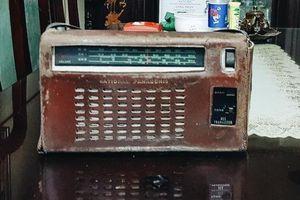 Khi chiếc radio từ hậu phương đưa tin...