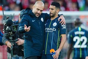 Guardiola bất ngờ xin lỗi Mahrez