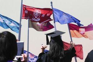 Mức lương khởi điểm cho sinh viên châu Á: Thấp hay cao đều bất lợi?