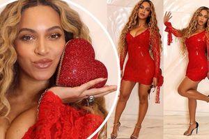 Beyonce khoe ảnh đón Valentine nóng 'bỏng mắt'