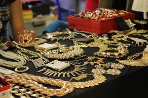 Giá vàng hôm nay 16/2: Vàng thế giới phi mã, chênh lệch giá vàng còn 100 ngàn đồng/lượng