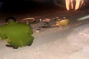 Xe 7 chỗ gây tai nạn liên hoàn khiến 3 người thương vong