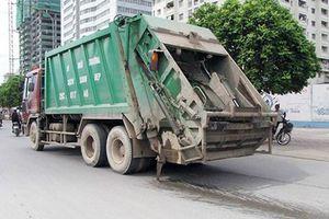 Hà Nội: Sẽ xử lý nghiêm xe chở rác gây rơi vãi, rò rỉ nước