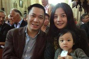 Chỉ với 1 hành động, Triệu Vy đập tan nghi vấn ly thân với Huỳnh Hữu Long