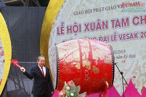 Phó Thủ tướng Thường trực Trương Hòa Bình dự Khai hội chùa Tam Chúc