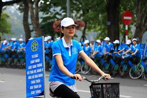 Diễu hành tuyên truyền 'Xây dựng người Hà Nội thanh lịch, văn minh'