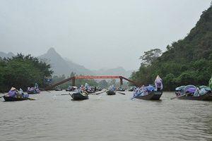 Không để xuồng máy, chở quá du khách trong lễ hội chùa Hương