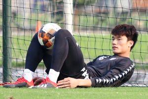HLV Hà Nội FC tiết lộ lý do Bùi Tiến Dũng dính chấn thương ở Thái Lan