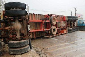 Khắc phục vụ tai nạn liên hoàn trên quốc lộ 1A qua Thanh Hóa