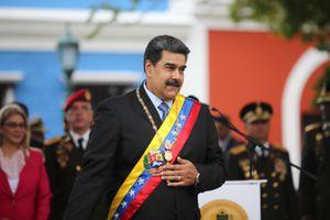 Tổng thống Maduro điều quân sát Colombia