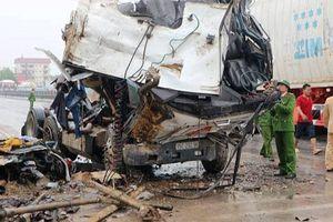 Thanh Hóa: Nguyên nhân vụ container gây tai nạn liên hoàn, tài xế tử vong