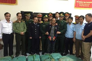 Hải quan Hà Tĩnh phối hợp bắt giữ một đối tượng vận chuyển 294 kg ma túy đá