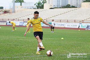 SLNA giữ chân thành công thủ môn Nguyên Mạnh