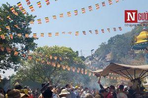 Hàng chục nghìn phật tử, du khách đổ về viếng lễ chùa Bà Đen ở Tây Ninh