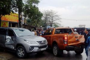 7 xe tông nhau liên hoàn trên QL1A, 1 người tử vong