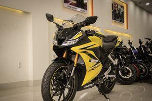 Nên mua Yamaha YZF-R15 chính hãng hay nhập khẩu tư nhân?