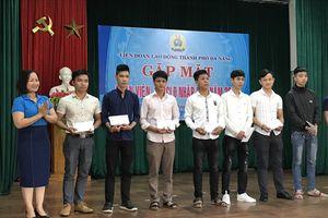 LĐLĐ Đà Nẵng tặng quà đoàn viên, CNVCLĐ trúng tuyển nghĩa vụ quân sự