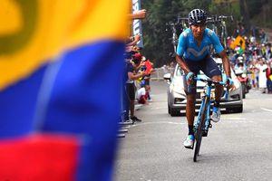 Xe đạp: Suýt ngã vì đụng CĐV, Quintana vẫn thắng chặng cuối Tour Colombia