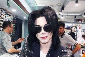 Người đàn ông mạnh tay chi 700 triệu đồng để giống Michael Jackson