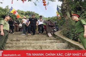 Hà Tĩnh : Công an 'căng mình' đảm bảo an ninh, an toàn mùa lễ hội