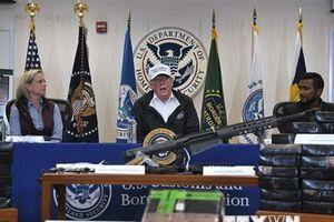Tổng thống Mỹ kiên quyết bảo vệ tuyên bố tình trạng khẩn cấp quốc gia