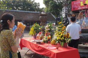 Nam Định: Chưa khai hội đền Trần, du khách đã có ấn trong tay