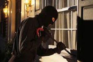 TP.HCM: Truy tìm thủ phạm gây ra 2 vụ trộm hàng trăm triệu giữa ban ngày