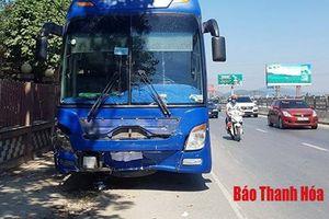 Khởi tố tài xế xe khách đâm xe con làm 3 người chết ở Thanh Hóa