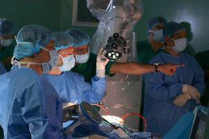 Bệnh viện 115 TP.HCM mổ u não bằng robot