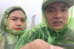 Dân Sài Gòn than nóng như đổ lửa, du khách Sa Pa tận hưởng tuyết rơi