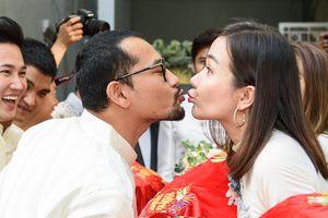 Dàn sao Việt quậy tưng bừng ở lễ rước dâu diễn viên 'Gạo nếp gạo tẻ'