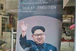 Miễn phí cắt tóc kiểu ông Trump, Kim Jong Un tại Hà Nội