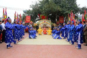 Độc đáo lễ hội Vua Hùng dạy dân cấy lúa