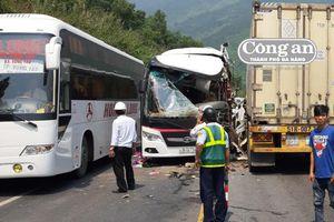 Tai nạn trên đường dẫn vào hầm Hải Vân, 16 du khách Hàn Quốc bị thương