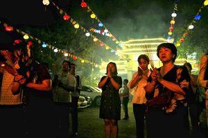 Người Sài Gòn dâng sớ cầu an tại chùa Vĩnh Nghiêm rằm tháng Giêng