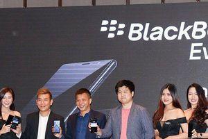 BlackBerry Evolve được bán chính hãng tại Việt Nam với mức giá 8 triệu đồng
