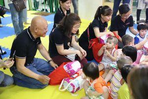 Trao yêu thương tại chùa Kỳ Quang 2