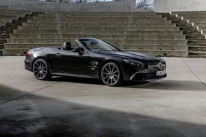 Mercedes-Benz SL Grand Edition mới ra mắt, giá từ 3 tỷ VNĐ