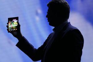 Rò rỉ tên gọi smartphone màn hình gập của Samsung