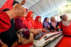 Malaysia tuyên bố hủy dự án, TQ vội hạ giá