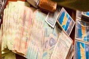 Bắt giữ 24 đối tượng đánh bạc, thu gần 100 triệu đồng