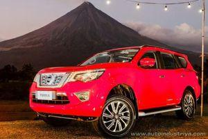'Đấu' Toyota Fortuner, Nissan Terra ra mắt phiên bản đặc biệt