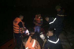Trắng đêm tìm kiếm nam sinh cấp 3 bị đuối nước gần cầu Hàm Rồng