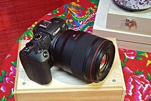 Máy ảnh full-frame Canon EOS RP trình làng thị trường Hà Nội