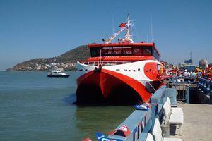 Tàu cao tốc Vũng Tàu-Côn Đảo hỏng máy sau 15 phút xuất bến