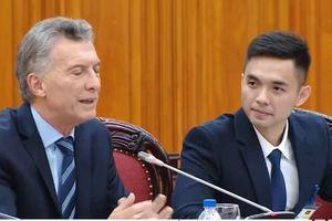 Chàng phiên dịch cho tổng thống: 'Tôi không giống Chung Hán Lương đâu'