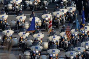 Có hàng chục môtô 'khủng'tháp tùng Tổng thống Donald Trump